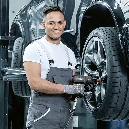 Ausbildung im Autogewerbe: Automobil-Assistent/in