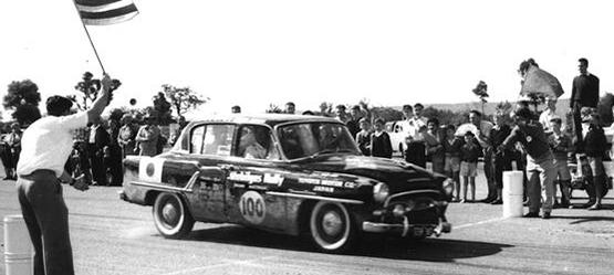 Toyota Motorsport Geschichte Toyopet Crown Deluxe