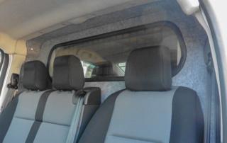 Toyota Proace Umbauten: Brückenaufbau Trennwand